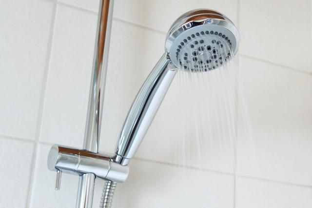 シャワーの温度調節